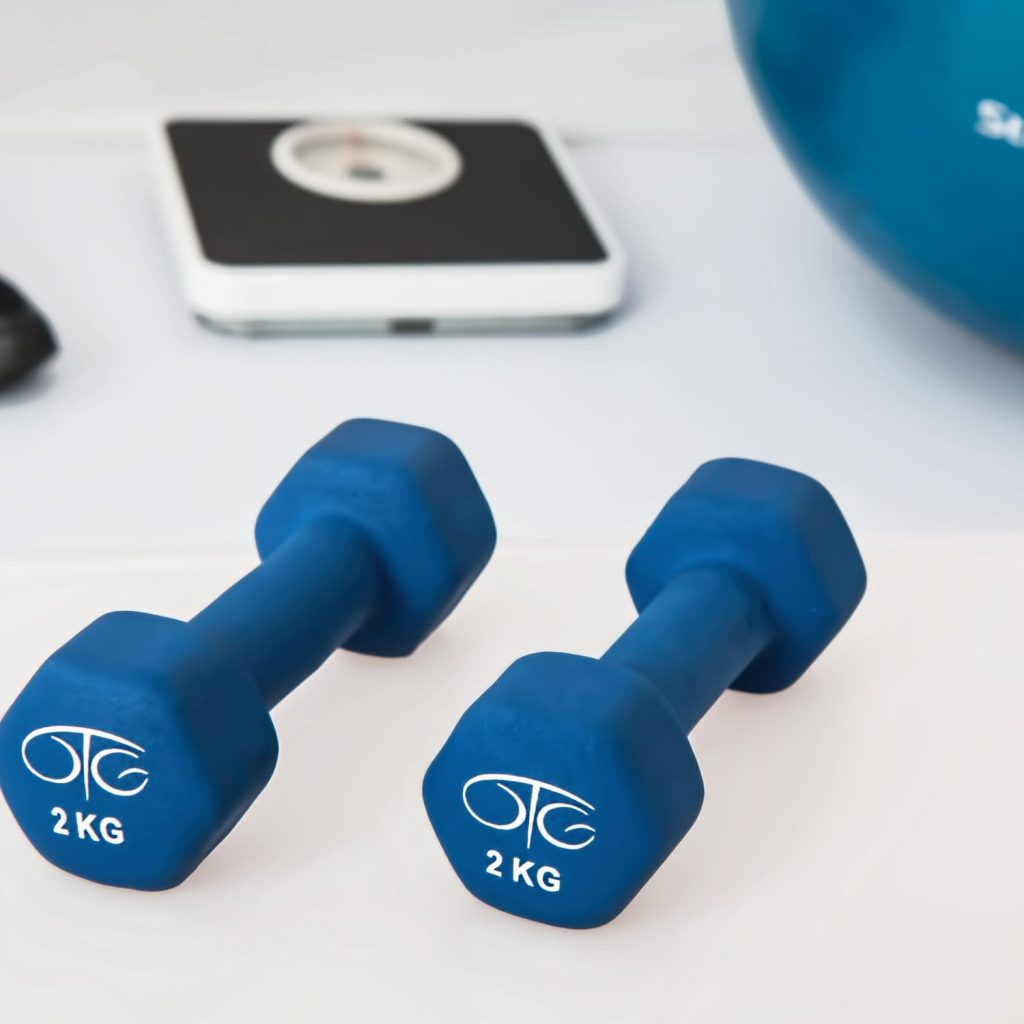 physiotherapy weight training dumbbell exercise balls 39671 pexels